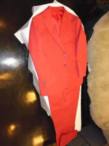 イタリーラウスミアリ綿100%のレッドスーツ上下