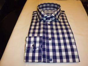 ホリゾンタル衿シャツ