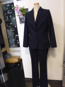 レディース2釦パンツスーツ