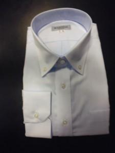 薄ブルー織り柄シャツ