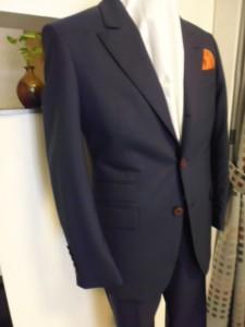 ネイビーブルーピンヘッド柄スーツ