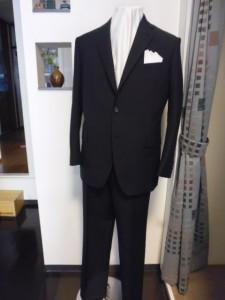 オルメザーノ 濃紺シャドーストライプスーツ