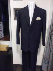 ダンヒル濃紺スーツ