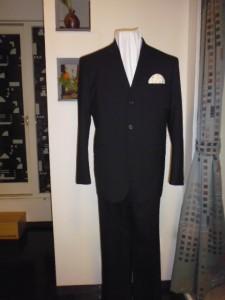 チャコールグレー3釦スーツ