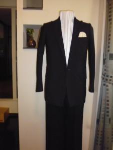 ゼニア黒無地スーツ