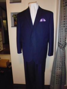 ロロピアナ青紺スーツ