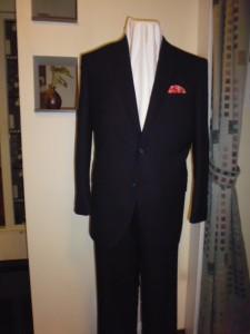 濃紺ヘリンボン柄スーツ