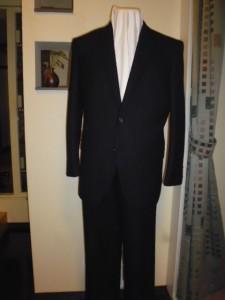 ネイビー織り柄スーツ