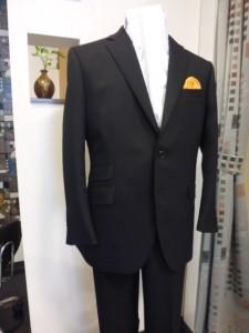 ハードレックス黒スーツ